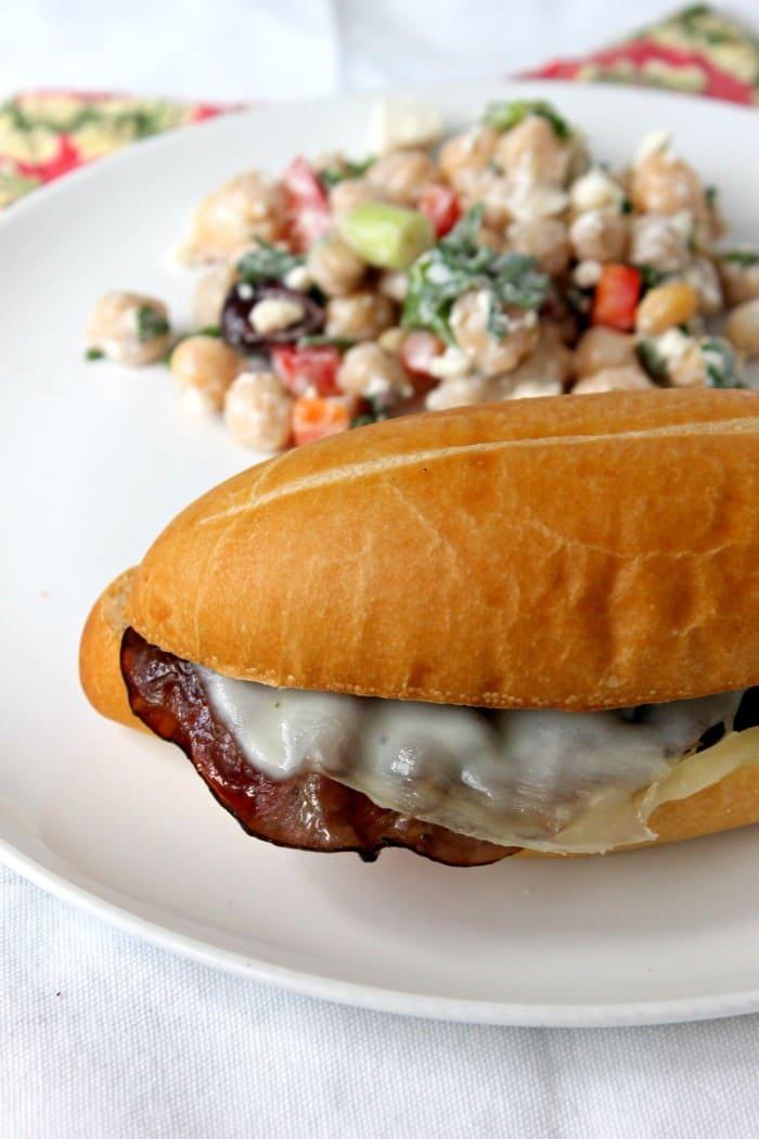 Italian Roast Beef Sandwiches so fast and easy, ready in 5 mins! #roastbeef #sandwich #dinner #easyrecipes
