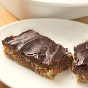 Easy No-Bake Chocolate Oatmeal Bars