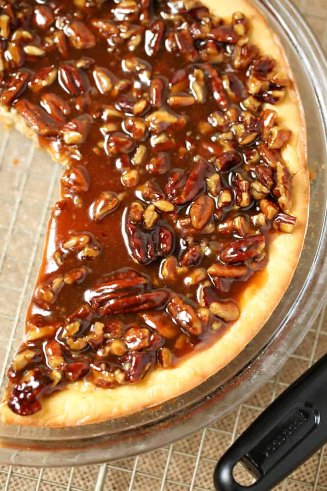 cheesecake pie with pecans