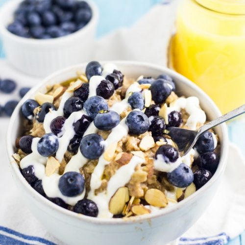 Blueberry pie oatmeal - a yummy, fast, easy and filling breakfast recipe!