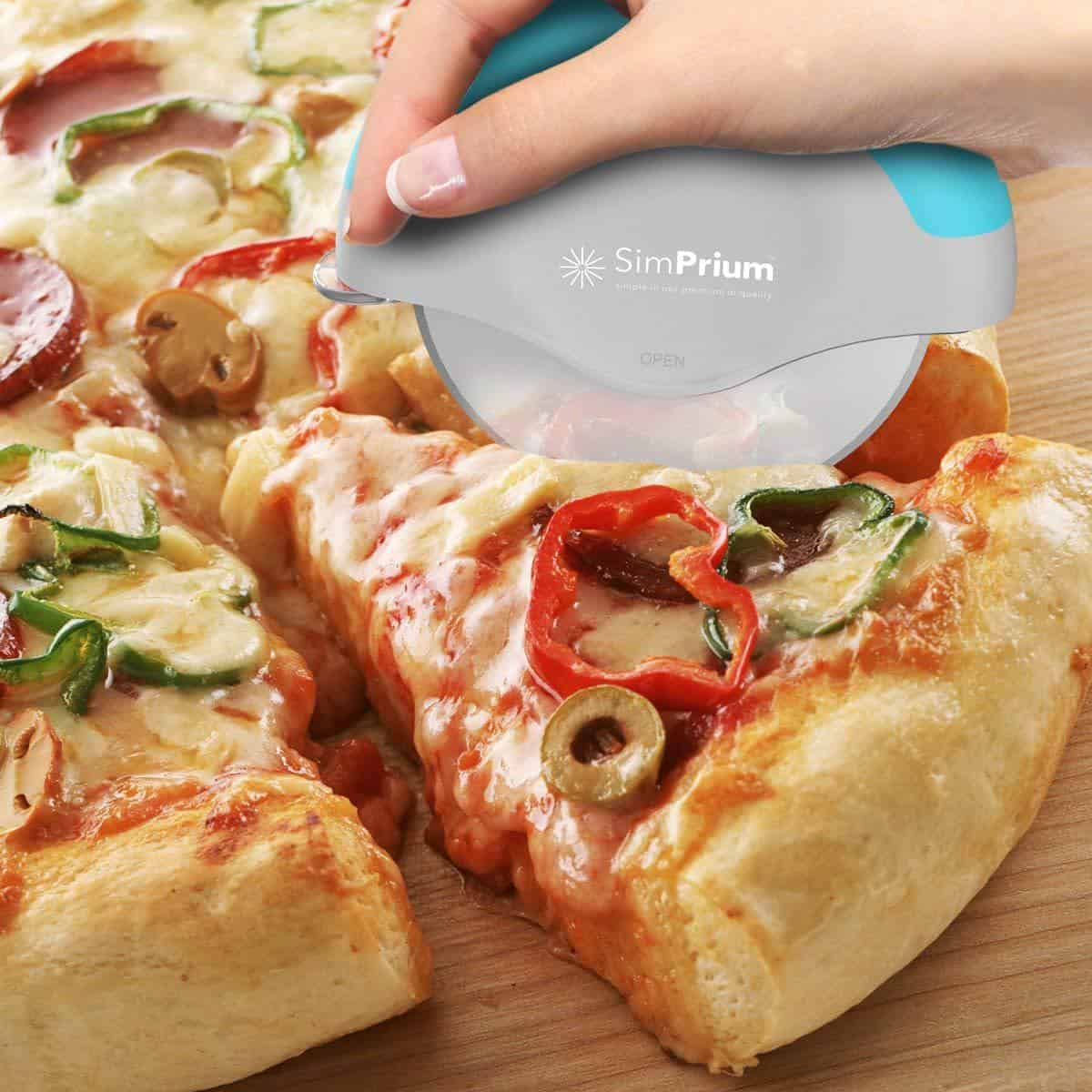 Handheld Pizza Cutter